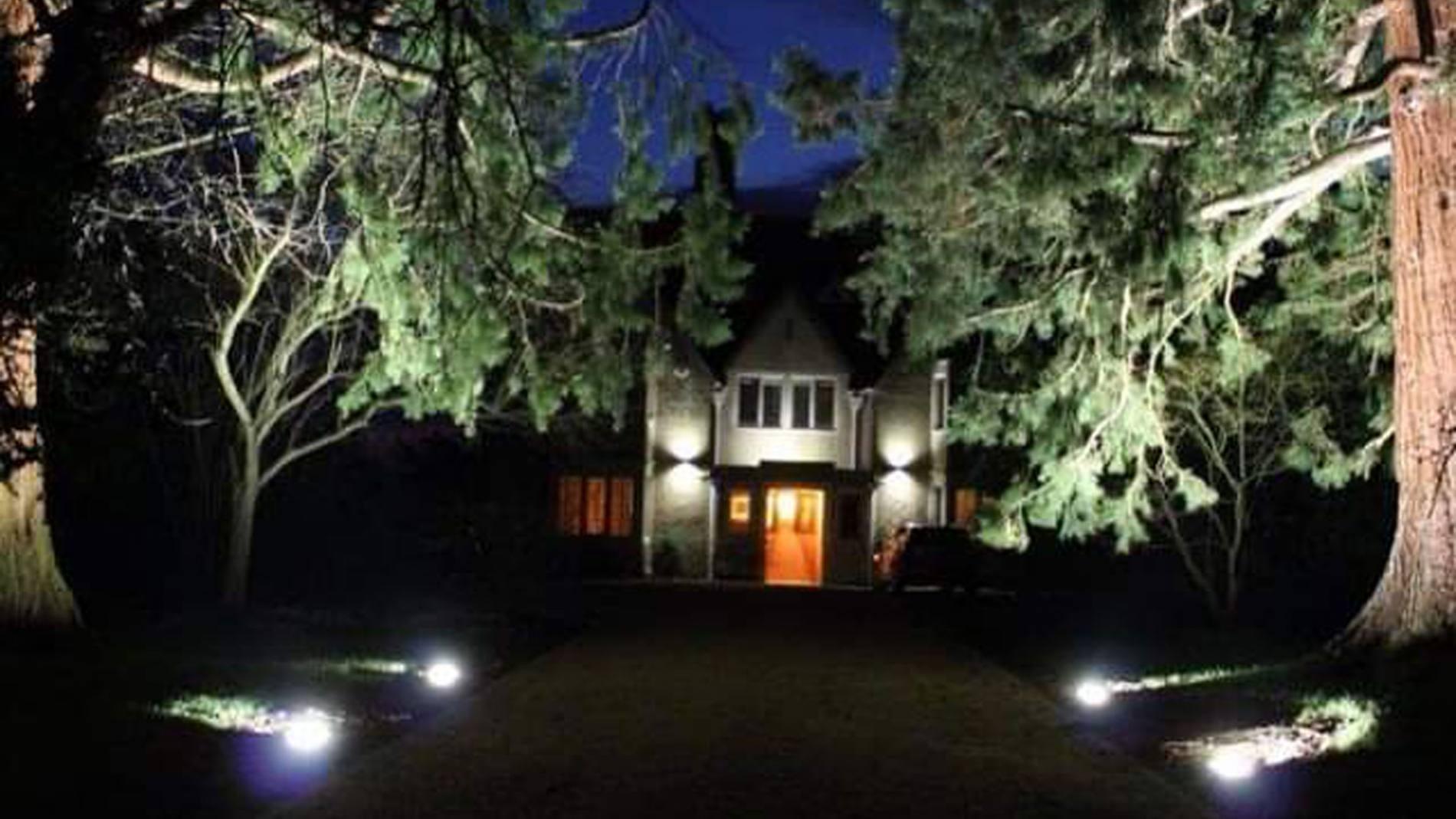Driveway-lighting-